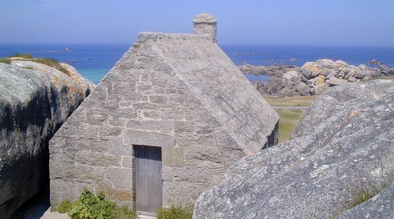 La casa nella roccia finisterre un italiano in bretagna for Schierandosi dalla roccia in casa