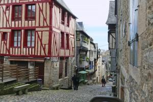 Dinan, l'inizio della Rue Le Jerzual che scende fino al porto