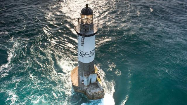JOB Nicolas - Vue aerienne, le phare Ar Men