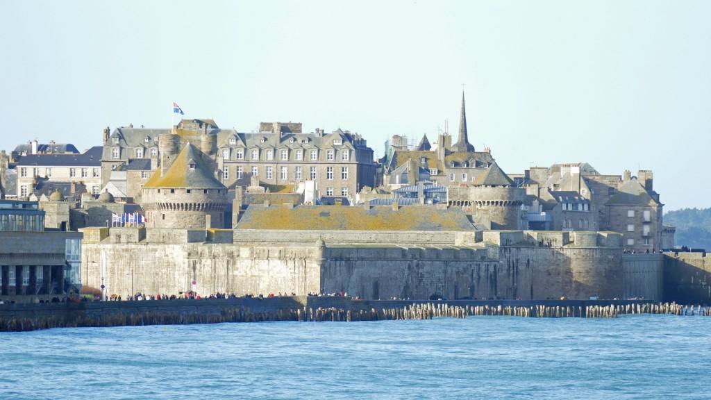 Saint Malo durante le grandi maree 2015