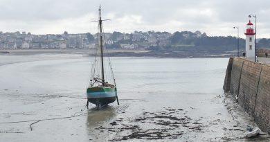 In Bretagna, la marea sale sale e scende scende
